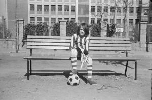 1975 Javier aficionado al fútbol