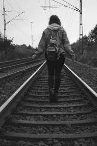 deambulando por las vías del tren