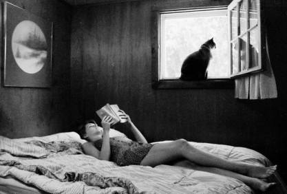 mujer con gato