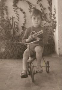 1960 Jorge con triciclo 02