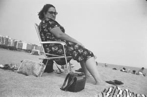 1977 Teresa en la playa
