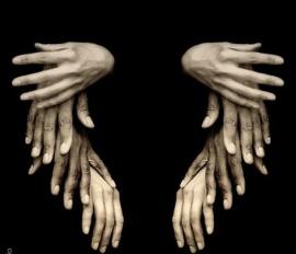 alas con manos