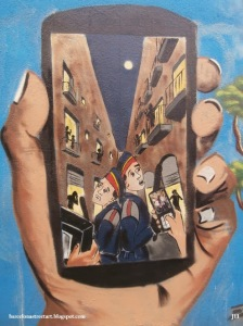 smarphone policia barrio chino barcelona_PC150146_arte urbano barcelona street art spain_JEI_2013